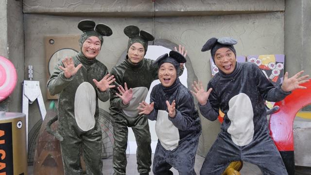 「爆チュー問題 ○○やってみた!」に出演する(左から)かまいたち、爆笑問題。(c)TITAN/TOPICS/フジテレビ