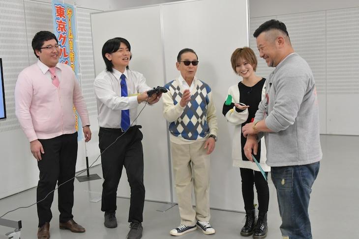 左からマヂカルラブリー、タモリ、山本彩、ケンドーコバヤシ。(c)テレビ朝日
