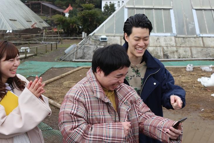 「霜降り明星のあてみなげ」より。(c)静岡朝日テレビ