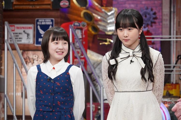 左から本田紗来、本田望結。(c)日本テレビ