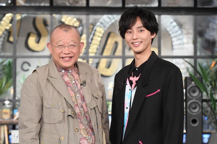 「A-Studio」のリニューアル版「A-Studio+」でMCを務める(左から)笑福亭鶴瓶、藤ヶ谷太輔。(c)TBS