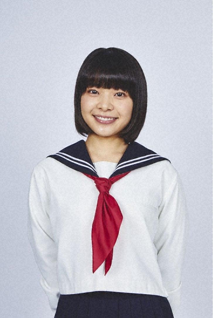 岸井ゆきの演じる長女・桜。