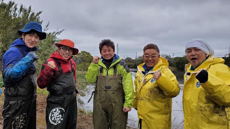 左からココリコ田中、ロンドンブーツ1号2号・田村淳、坂上忍、サンドウィッチマン。(c)テレビ東京