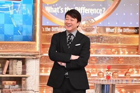 「この差って何ですか?」MCの加藤浩次。(c)TBS