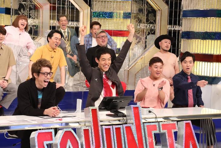 「笑撃!SOKUNETA バトル」に出演する(前列左から)ロンドンブーツ1号2号・田村淳、四千頭身ら。(c)フジテレビ