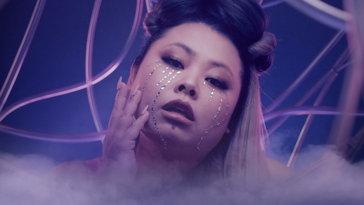 "「Lady Gaga ""Rain On Me with Ariana Grande"" Official Parody」より、渡辺直美。(c)YOSHIMOTO KOGYO CO., LTD"