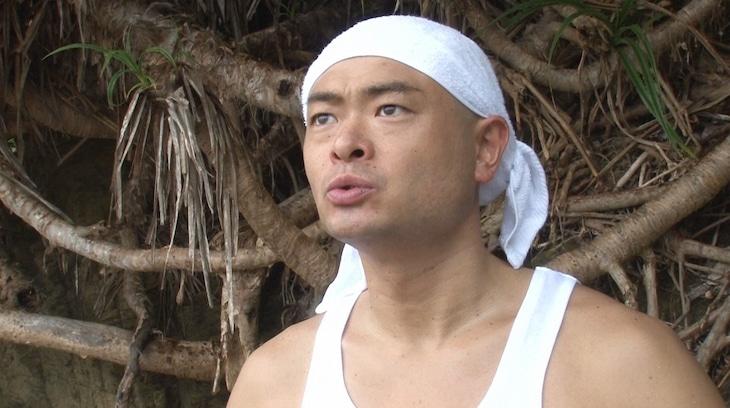 「アイ・アム・冒険少年」の「脱出島 ~無人島からの脱出対決!!~」に出演する、あばれる君。(c)TBS