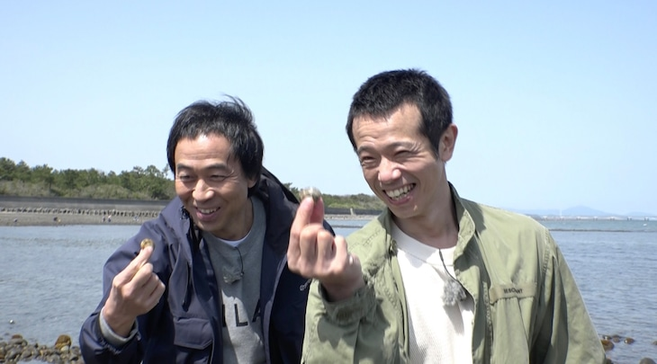 左からペナルティ・ワッキー 、品川庄司・庄司。(c)TVQ九州放送