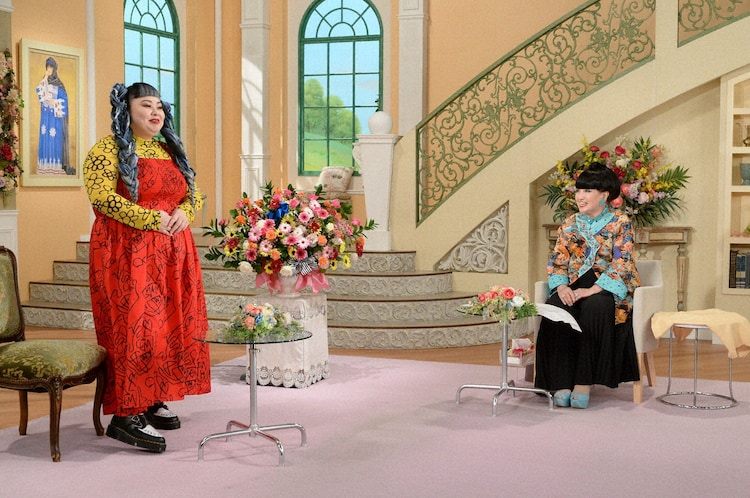 「徹子の部屋」に出演する(左から)渡辺直美、黒柳徹子。 (c)テレビ朝日