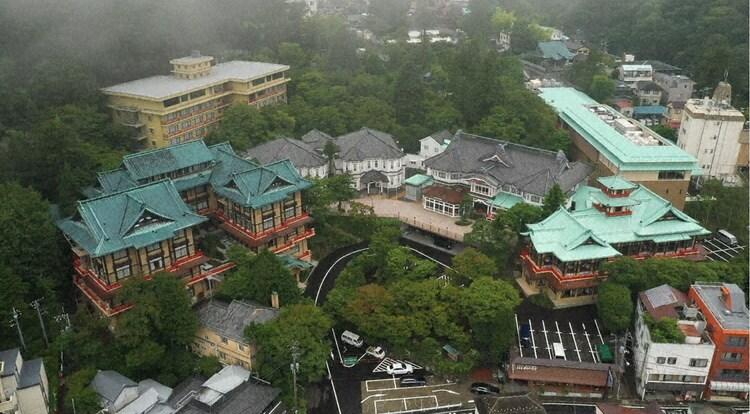 上空から見た富士屋ホテル。(c)テレビ東京