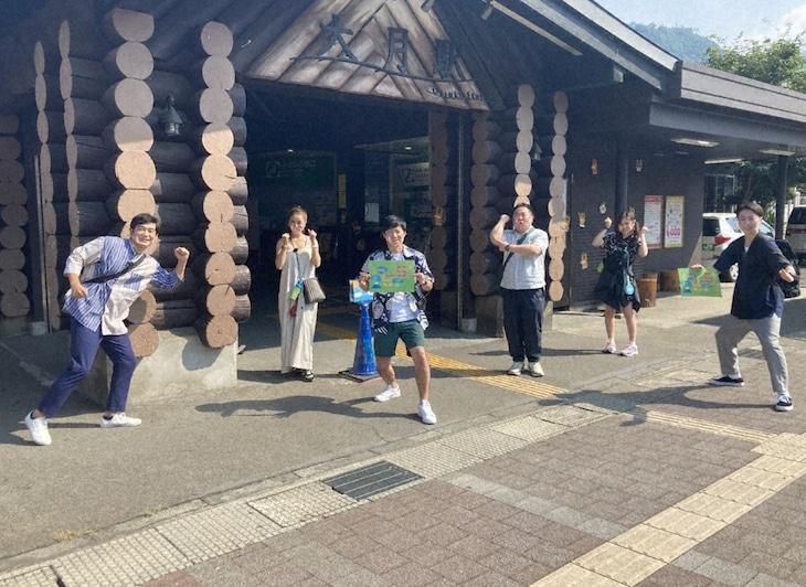 「水バラ 電車&バスで行く!ルーレット旅 ~夏の富士山麓ぐるり~」より。(c)テレビ東京