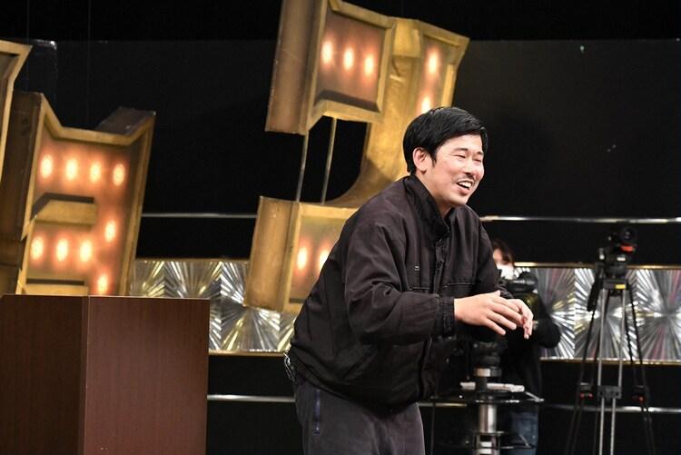 「有田ジェネレーション」に「東京03飯塚激推し芸人」として出演する岡野陽一。(c)TBS