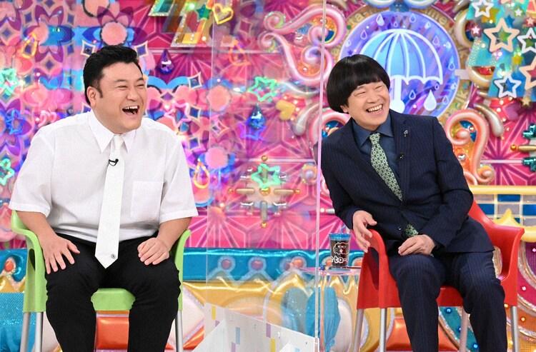 (左から)アンタッチャブル山崎、蛍原徹。(c)テレビ朝日