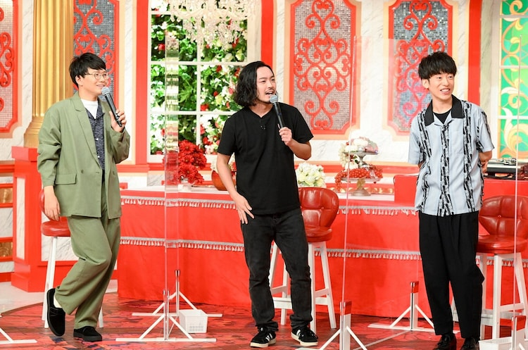 (左から)ミキ亜生、Creepy NutsのR-指定とDJ 松永。