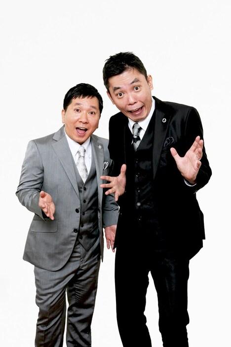 爆笑問題。左から、田中、太田。