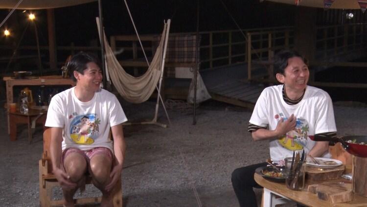 (左から)平成ノブシコブシ吉村、有吉弘行。 (c)フジテレビ