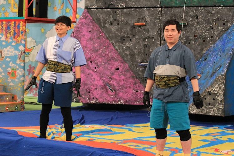 (左から)ミキ亜生、霜降り明星せいや。(c)フジテレビ