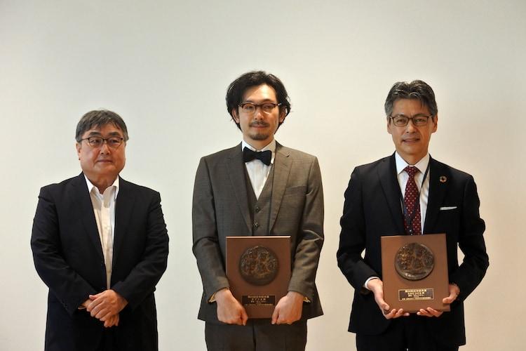 「第25回日本絵本賞」の贈呈式の様子。