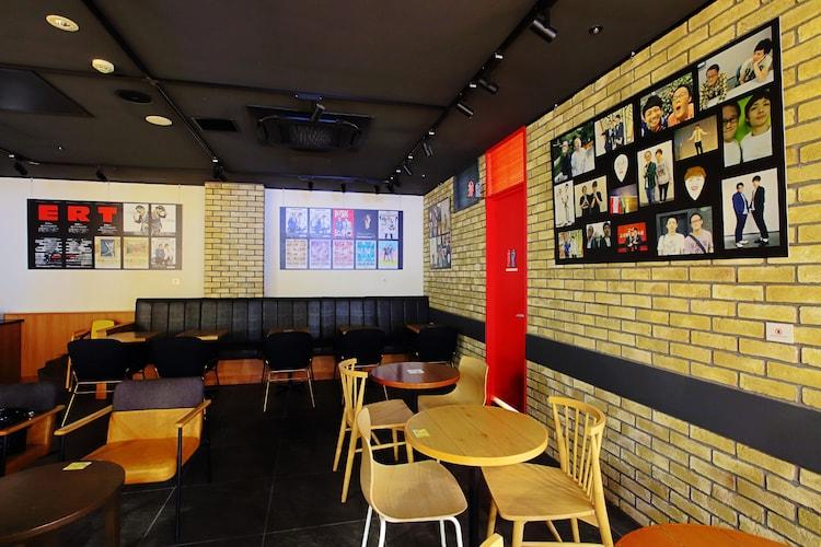 """アインシュタインの""""店内ジャック""""が実施された花のれんタリーズコーヒー なんばグランド花月店の店内。"""