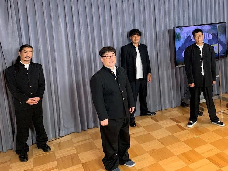 左からパンサー菅、天津・向、アルコ&ピース平子、パンサー尾形。