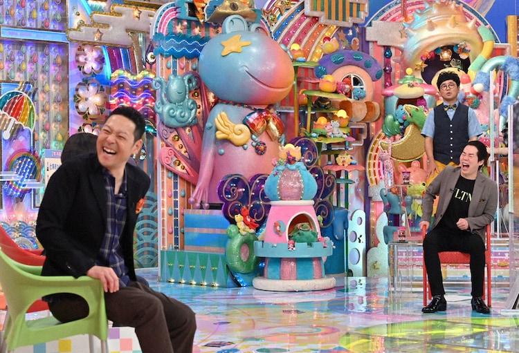 「アメトーーク!」で共演する東野幸治(左)と今田耕司(右手前)。右奥はパンクブーブー黒瀬。(c)テレビ朝日