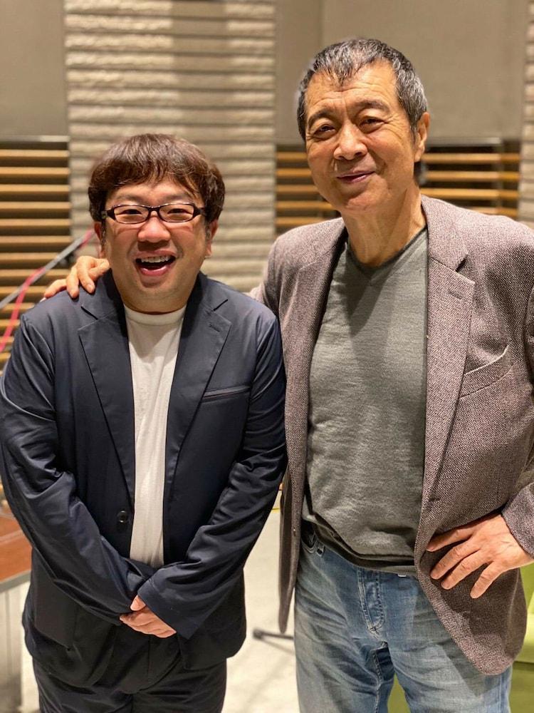 キャイ~ン天野(左)と矢沢永吉(右)。