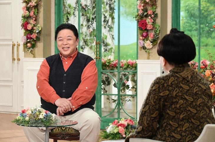 「徹子の部屋」に出演する(左から)伊集院光、黒柳徹子。(c)テレビ朝日