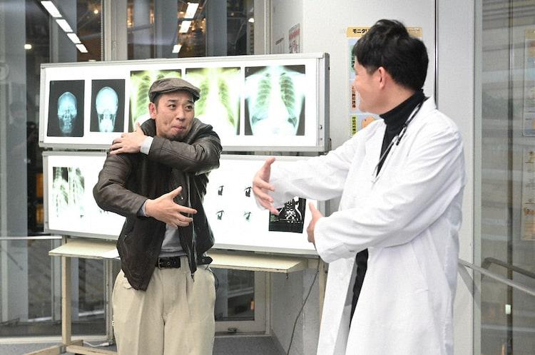 大悟監督と、演技に挑むノブ。(c)テレビ朝日