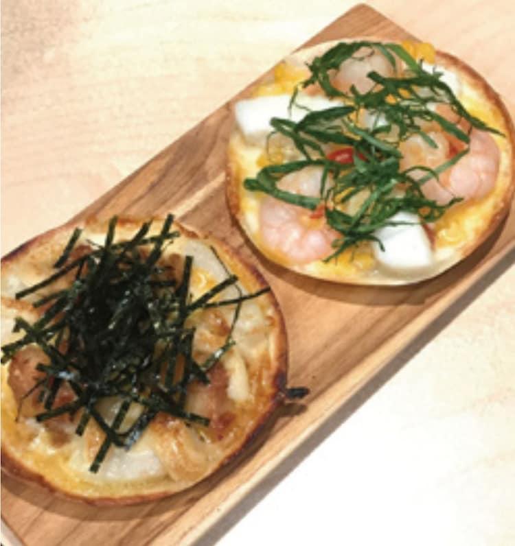 「KASHIWA PIZZA」と「KAISEN PIZZA」。