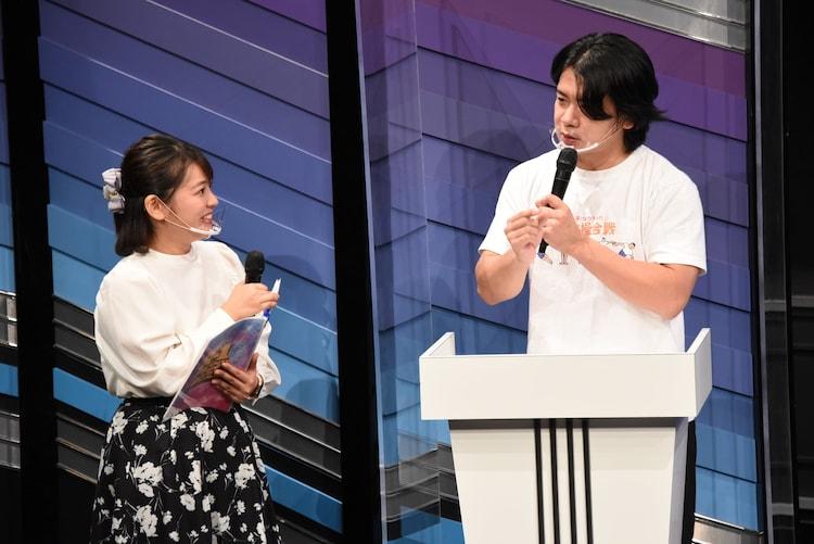 谷元星奈(関西テレビアナウンサー)と野田クリスタル。