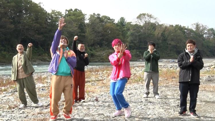「モンスターSUP」に挑む(前列左から)EXIT、四千頭身・後藤、(後列左から)チョコレートプラネット、宮下草薙・草薙。