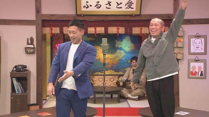「ジンギス談!」に出演するミルクボーイ駒場(左)、タカアンドトシ・トシ(右)。(c)HBC