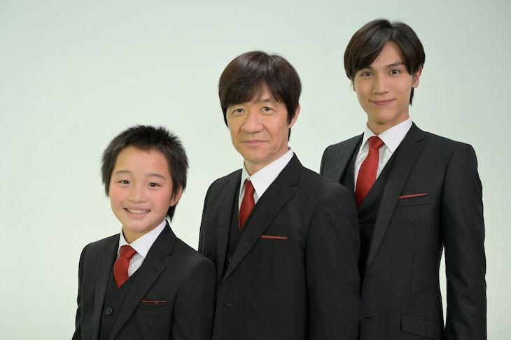 """各話で""""うっちゃん""""を演じる(左から)小鷹狩八、内村光良、中川大志。(c)NHK"""