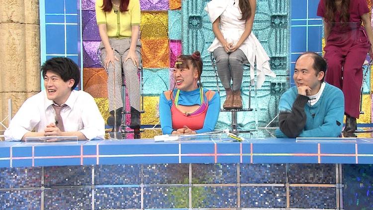 「バズらせ芸人チーム」の(左から)土佐兄弟・有輝、フワちゃん、トレンディエンジェル斎藤。