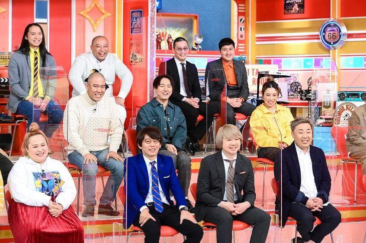 「有田プレビュールーム」のスタジオ出演者たち。(c)TBS