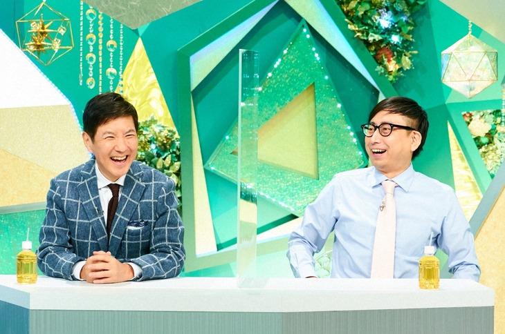 「やすとものいたって真剣です」にゲスト出演する(左から)関根勤、おいでやす小田。(c)ABCテレビ