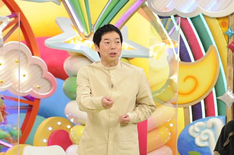 MCの今田耕司。
