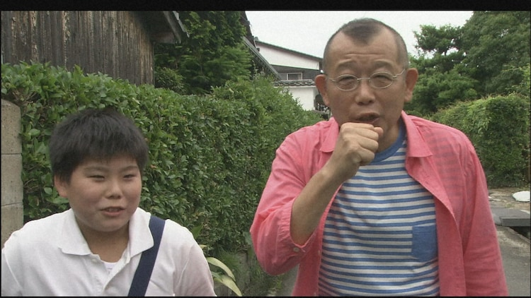 2010年萩市の旅より、思いがけない将来の夢をもつ小学生と出会った笑福亭鶴瓶。