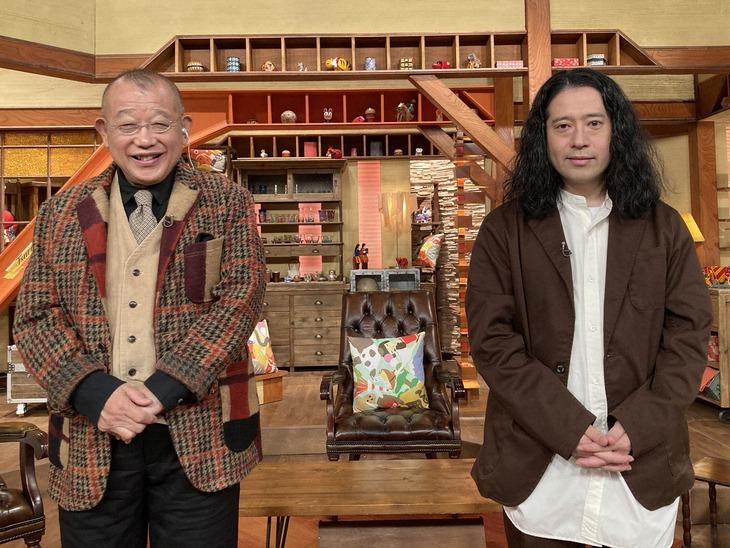 笑福亭鶴瓶(左)とピース又吉(右)。