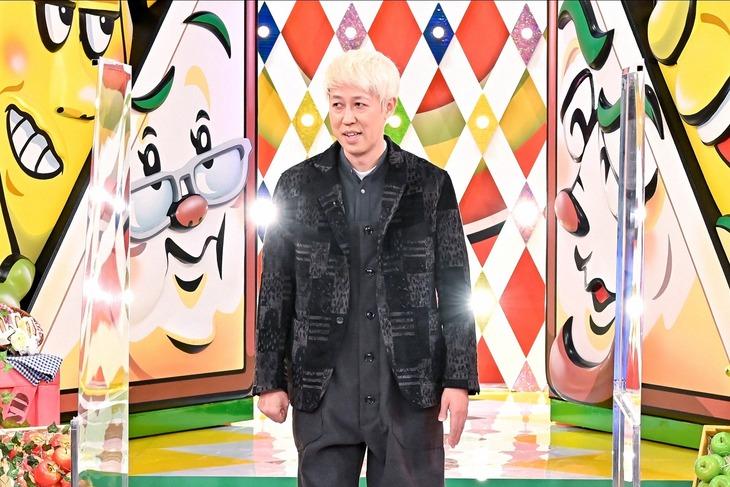 「バナナサンド」にゲスト出演する小籔千豊。(c)TBS