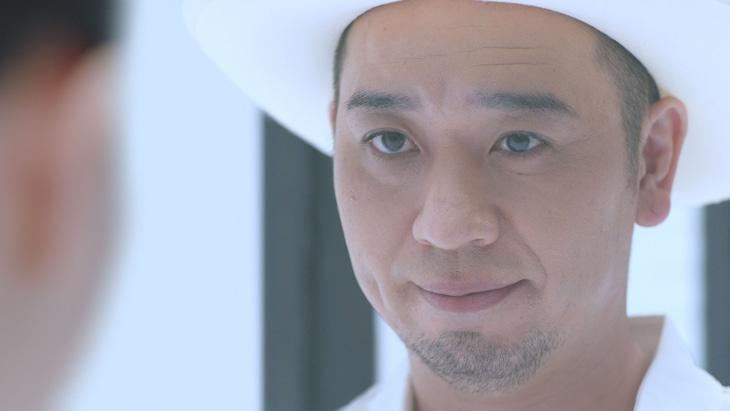 JTのキャンペーン動画「スーシャルミュージカル♪」編より、千鳥・大悟。