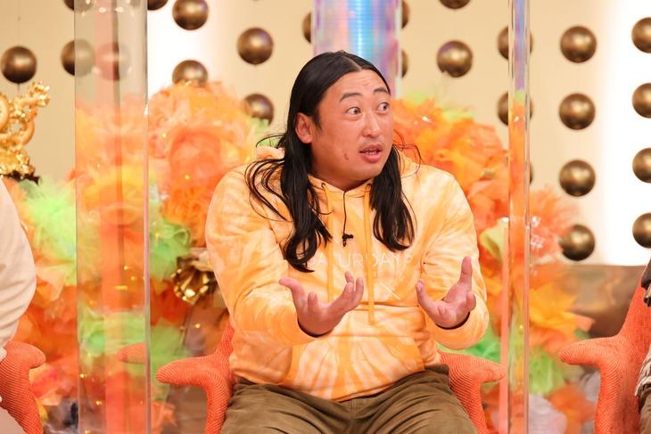 ロバート秋山  (c)関西テレビ
