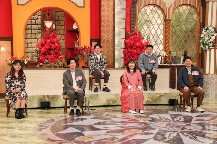 「ホンマでっか!?TV」に出演する(左から)相席スタート、ザ・マミィ林田、吉住、ザ・マミィ酒井、岡野陽一。(c)フジテレビ
