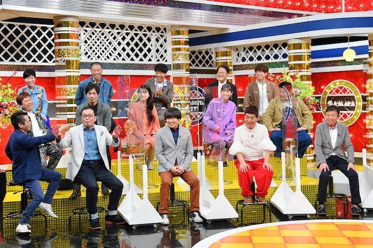 「痛快!明石家電視台」より、明石家さんまのエピソードを語る芸人たち。