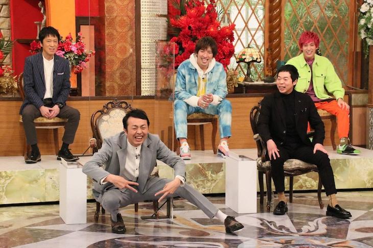 「ホンマでっか!?TV 2時間スペシャル」に出演する(前列左から)アンガールズ田中、今田耕司、(後列左から)ブラックマヨネーズ吉田、EXIT。(c)フジテレビ