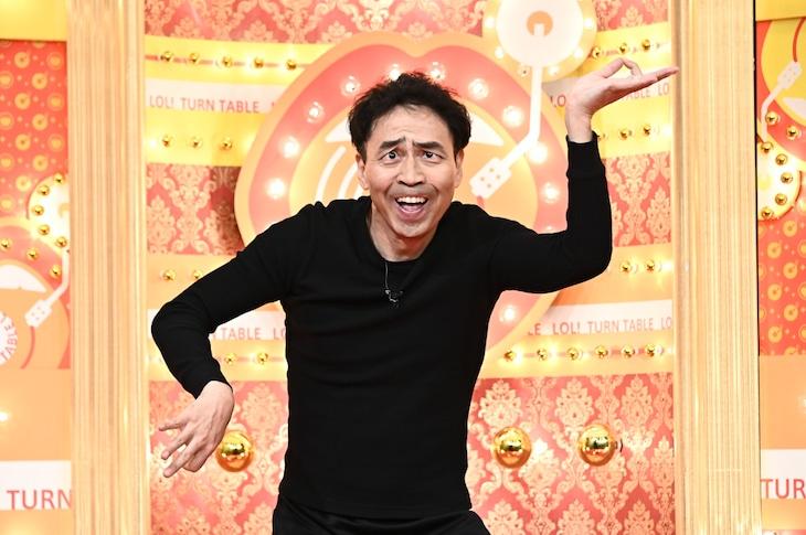 「爆笑!ターンテーブル」に出演する、ペナルティ・ワッキー。(c)TBS