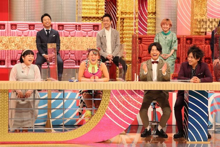 (前列左から)柳原可奈子、フワちゃん、ぺこぱ、(後列左から)市川猿之助、ロザン宇治原、ラランド・サーヤ。(c)フジテレビ