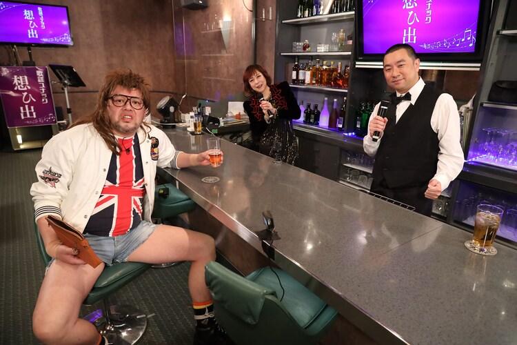 ゲストの野性爆弾くっきー!(左)。