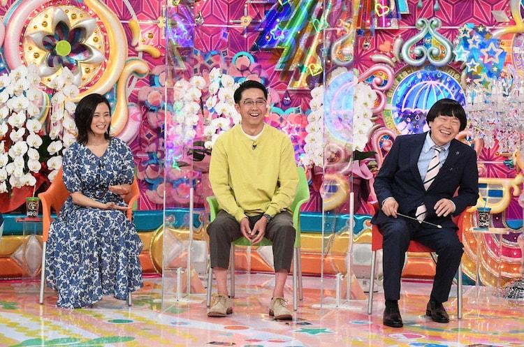 (左から)小島瑠璃子、おぎやはぎ矢作、蛍原徹。(c)テレビ朝日