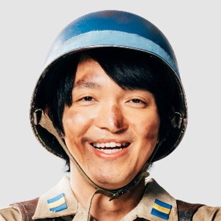 兵士に扮するパーパー・ほしのディスコ。